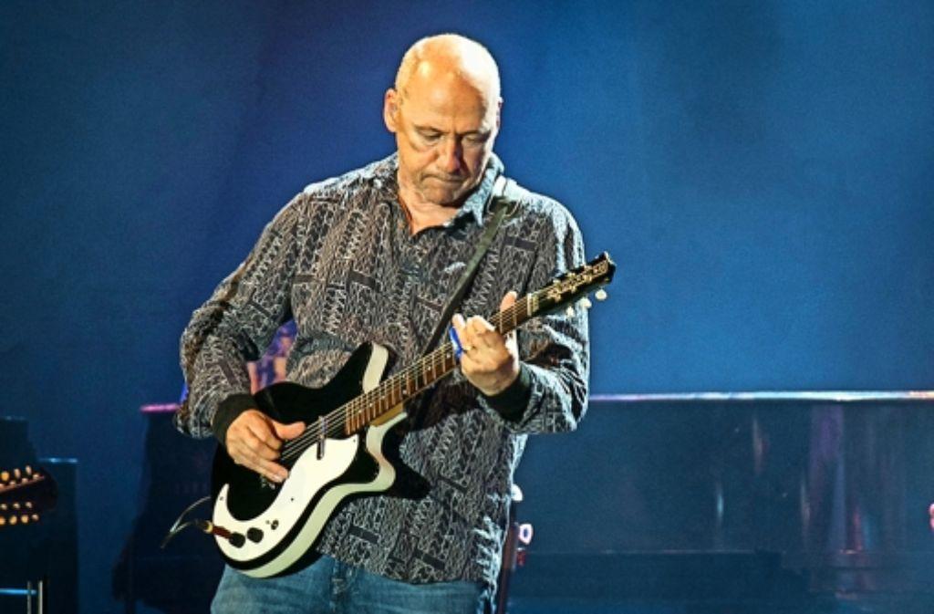 Da weiß man, was man hat:  Mark Knopfler bei seinem Konzert in der Schleyerhalle Foto: Lichtgut/Leif Piechowski