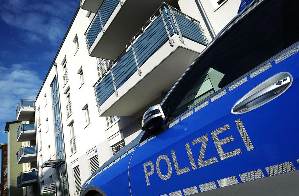 Die Kriminalpolizei fahndet im Kreis Ludwigsburg wegen räuberischer Erpressung nach einem Mann. Foto: dpa/Patrick Seeger