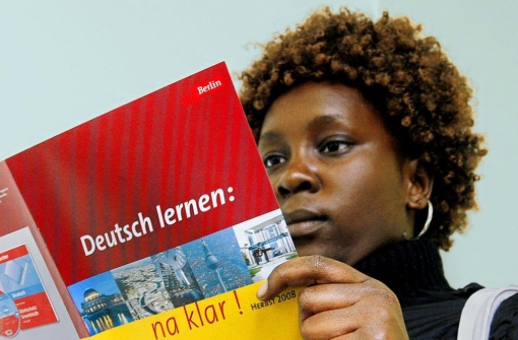 Die Kandidaten der Oberbürgermeisterwahl in Stuttgart sind sich einig: Erfolgreiche Integration beginnt mit Bildung. Foto: dpa