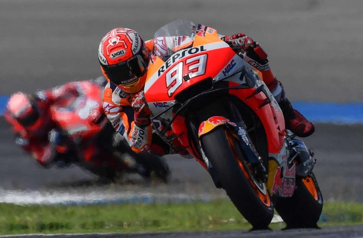 Da war die Welt des Marc Marquez noch in Ordnung – der Spanier beim Grand Prix in Thailand im Oktober 2019. Foto: AFP/LILLIAN SUWANRUMPHA