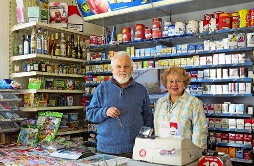 Die Kunden stehen zu ihrem Kiosk