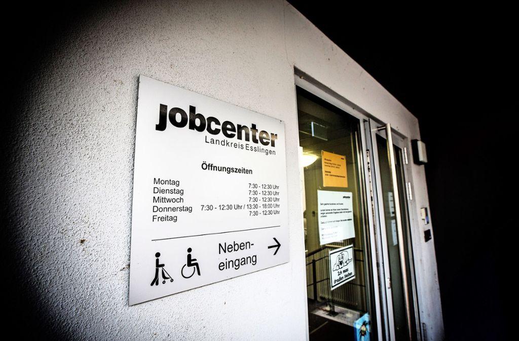 Die  brutale Tat hatte unter den Angestellten im Nürtinger Jobcenter große Betroffenheit ausgelöst. Foto: /Horst Rudel/Archiv