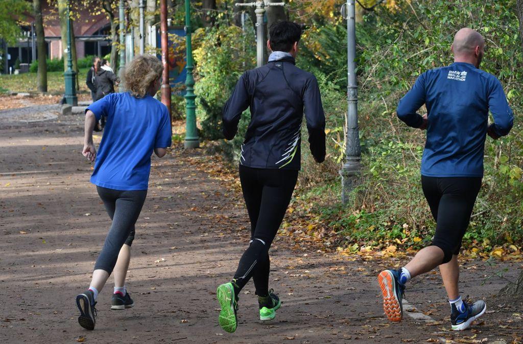 Los geht's: Mit den steigenden Temperaturen steigt auch die Zahl der Läufer sprunghaft an Foto: dpa