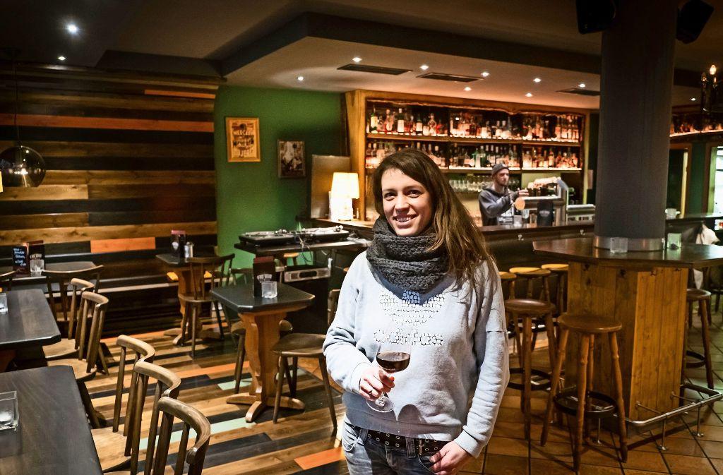 Die gute Seele des Lokals: Geschäftsführerin Janina Messerle Foto: Lichtgut/Achim Zweygarth