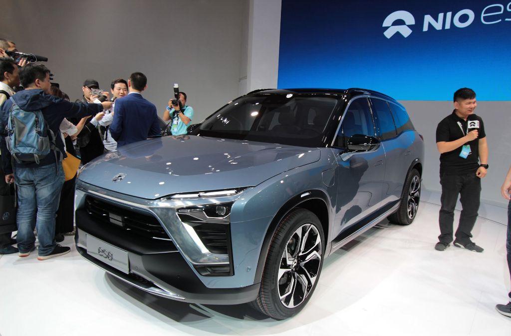 Auf der Automesse wirft China den E-Motor an. Foto: dpa-tmn