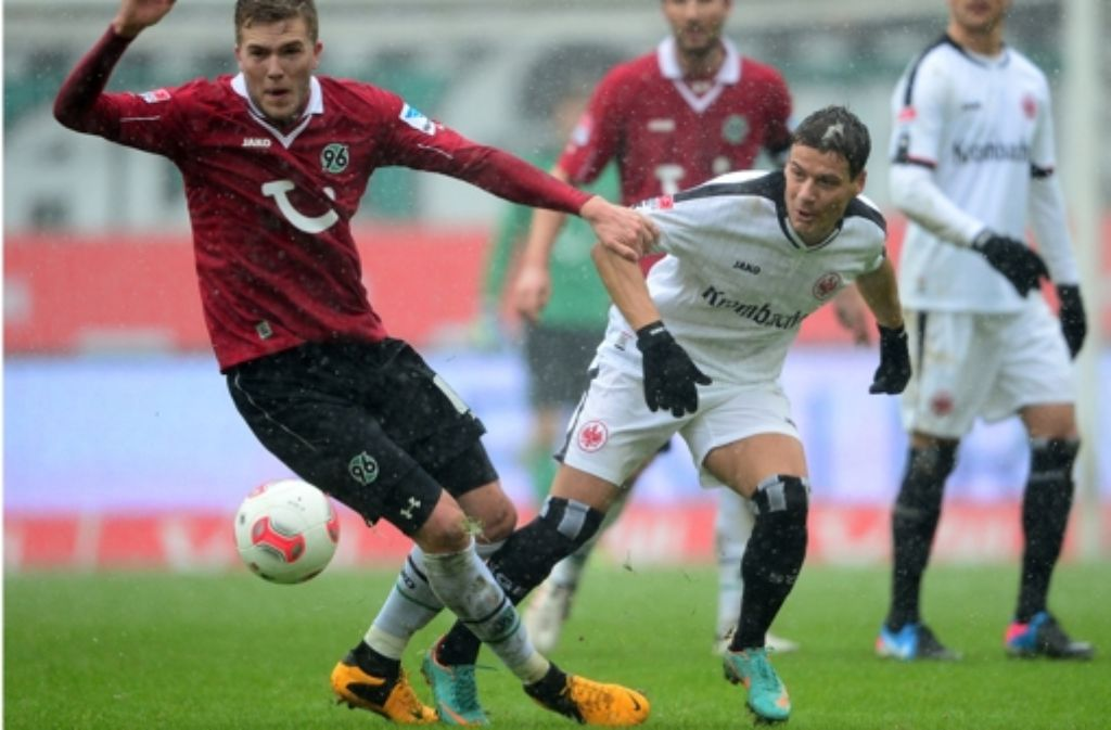 Verteidigt nun für Eintracht Frankfurt: Stefano Celozzi. Foto: dpa