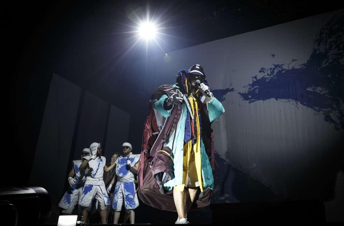 """Das Bild """"Erschaffung Lars"""" war im Februar 2020 auch beim Gastspiel der Hamburger Hip-Hop-Band Deichkind in der Stuttgarter Schleyerhalle. dabei Foto: Lichtgut/Julian Rettig"""