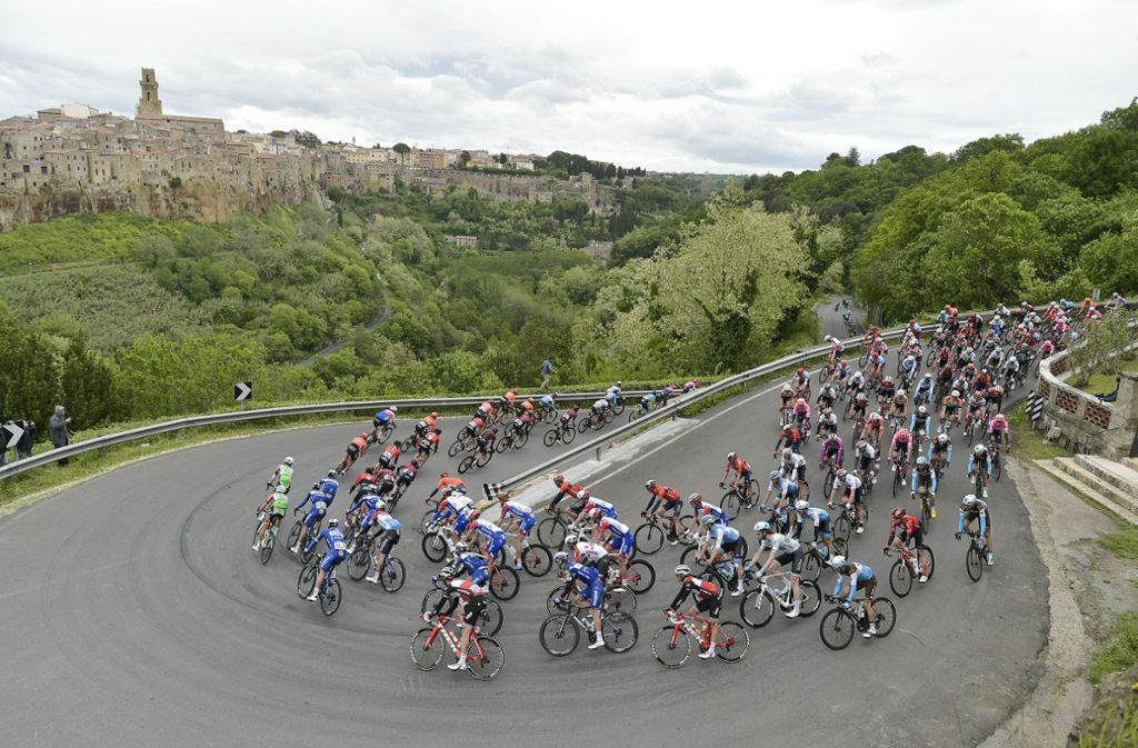 Tolle Bilder aus Italien: der Giro ist auch landschaftlich ein echter Klassiker. Foto: dpa