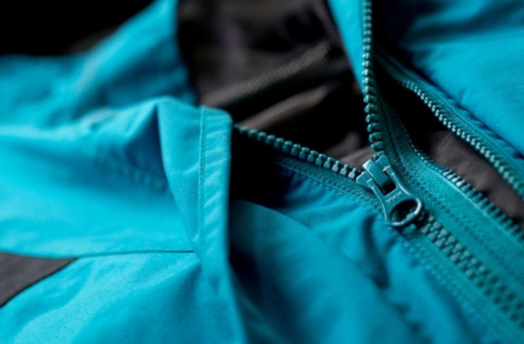 Jacken können heute mehr, deshalb haben sie schön viele  Reißverschlüsse. Foto: dpa