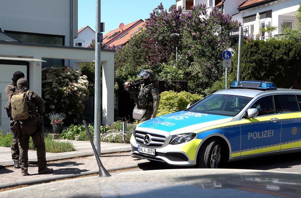 Die Polizei ist zu einem Haus in Riedenberg ausgerückt. Foto: 7aktuell.de/Alexander Hald