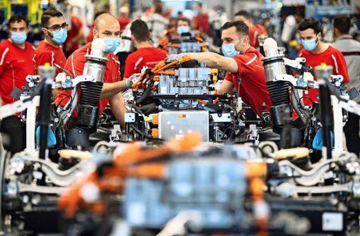 Porsche-Mitarbeiter  arbeiten auch samstags