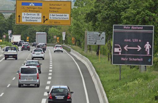 Hinweisschild an der B 10 irritiert Autofahrer