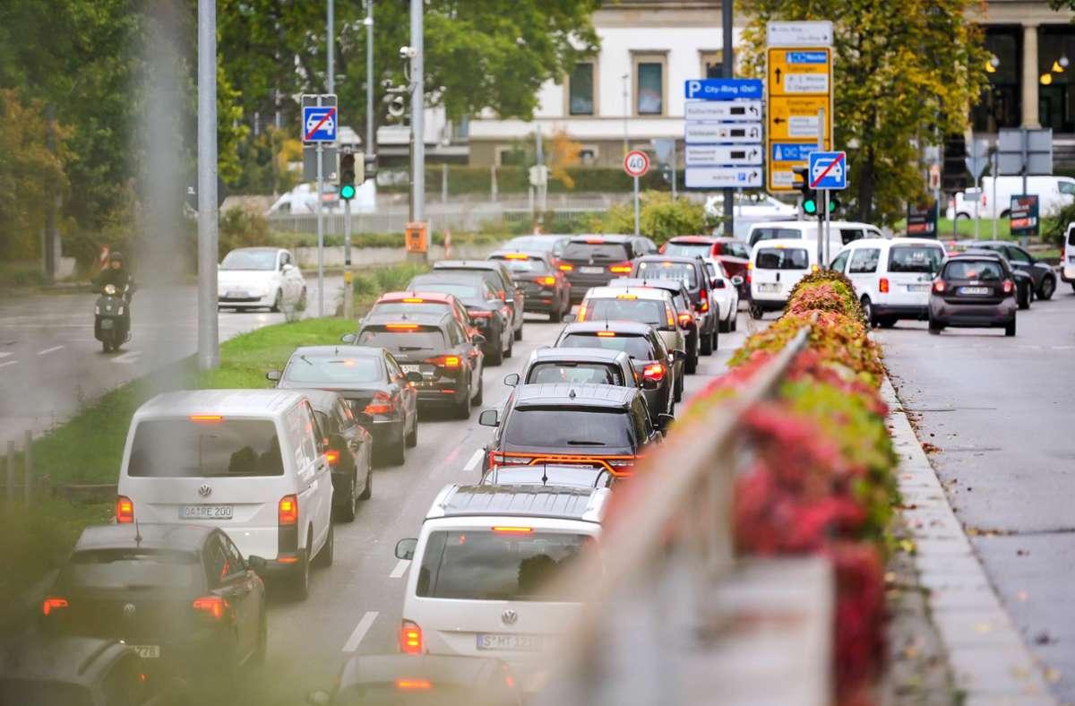 Für einige Autofahrer sollen Ausnahmen bei den  Fahrverboten in Stuttgart gelten. Foto: Lichtgut/Max Kovalenko