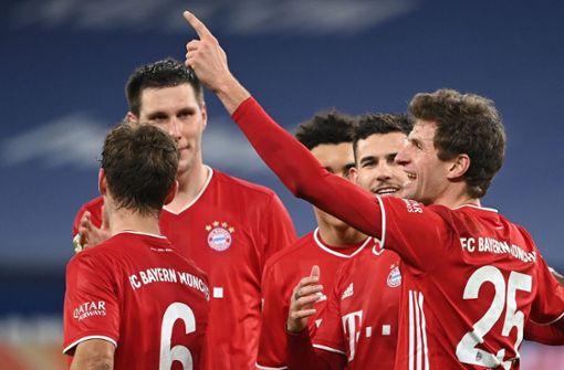 Bayern München bezwingt Schlusslicht Schalke mit 4:0