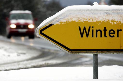 Bus mit mehr als 1,6 Tonnen Schnee auf Dach gestoppt