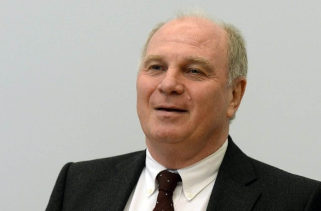 Ex-Bayern-Boss Uli Hoeneß darf Informationen der Bild am Sonntag zufolge das Weihnachtsfest im Kreise seiner Familie verbringen. Foto: dpa