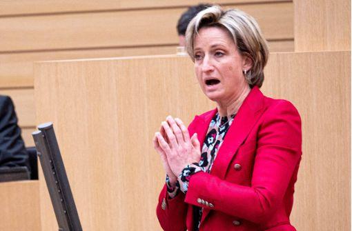 Hoffmeister-Kraut fordert rasche Kredite für kleine Firmen