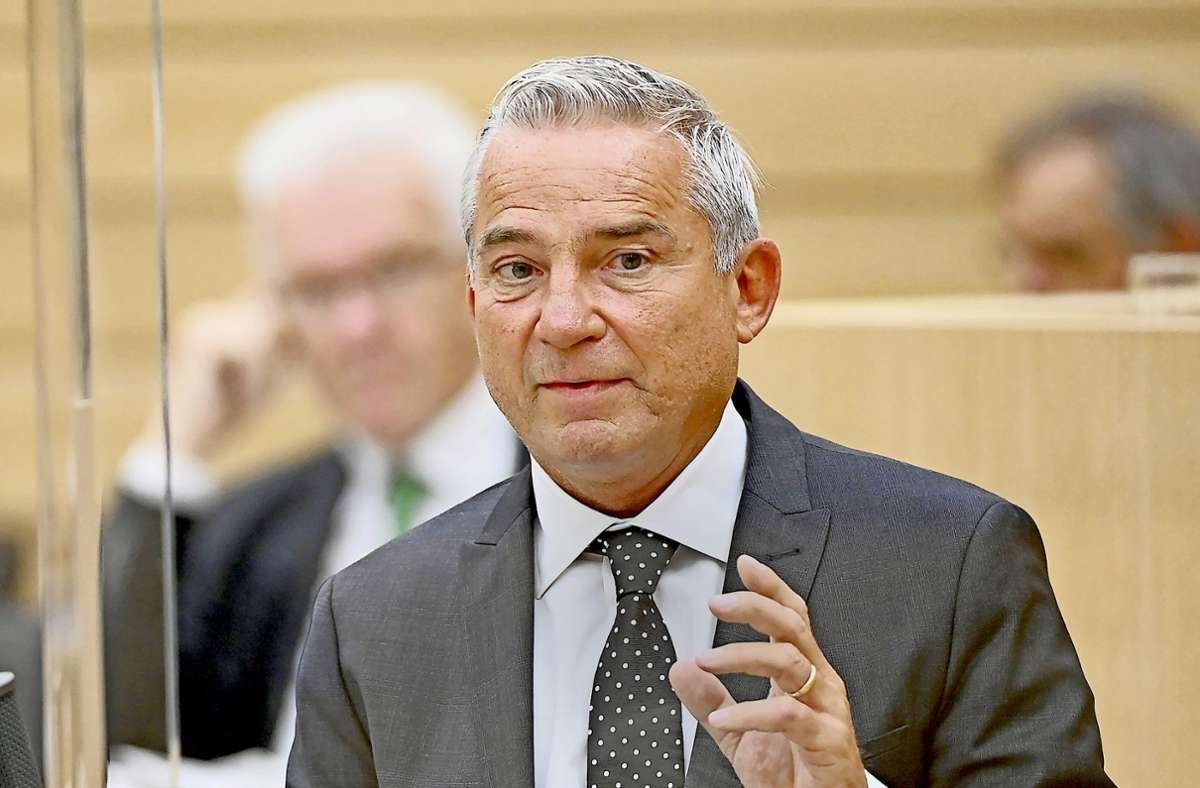 Innenminister Thomas Strobl sagte, dass Hass und Hetze die Gesellschaft vergifteten. (Archivbild) Foto: dpa/Bernd Weissbrod