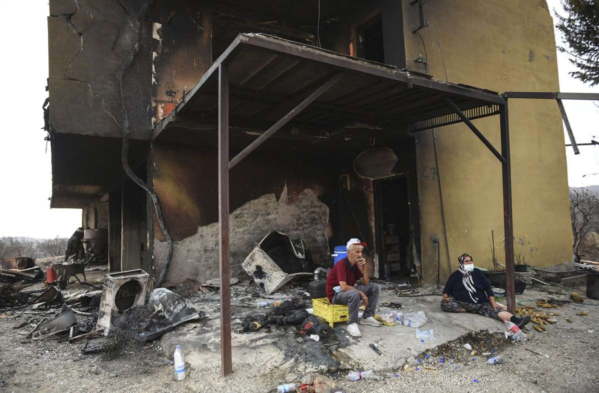 Dieses Haus im Dorf Kalemli in der Nähe von Manavgat ist den Waldbränden zum Opfer gefallen. Foto: dpa/AP