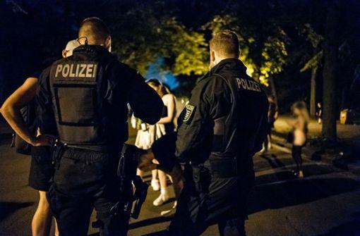 Polizei räumt Plätze in Freiburg