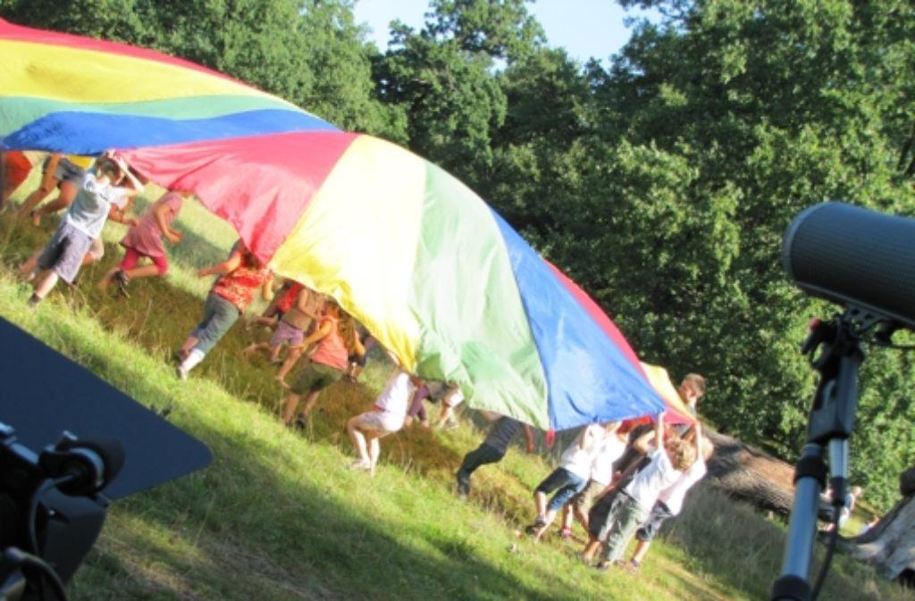 Bunter Kinderspaß im  Waldheim Foto: Judith Sägesser