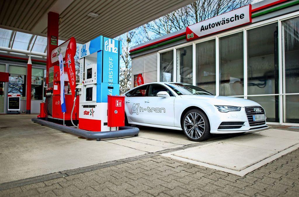 Tanken mit Wasserstoff: In ganz Stuttgart gibt es bislang keine Tankstelle, die Wasserstoff im Angebot hat. Foto: dpa