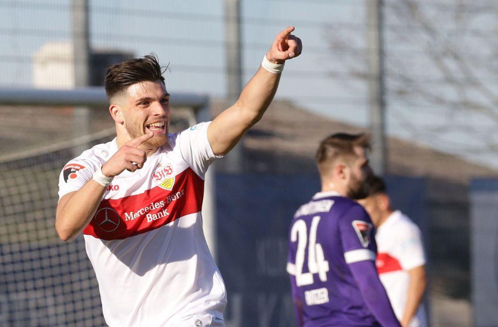 Nikos Zografakis jubelt nach seinem Treffer zum 4:1. Foto: Pressefoto Baumann/Hansjürgen Britsch