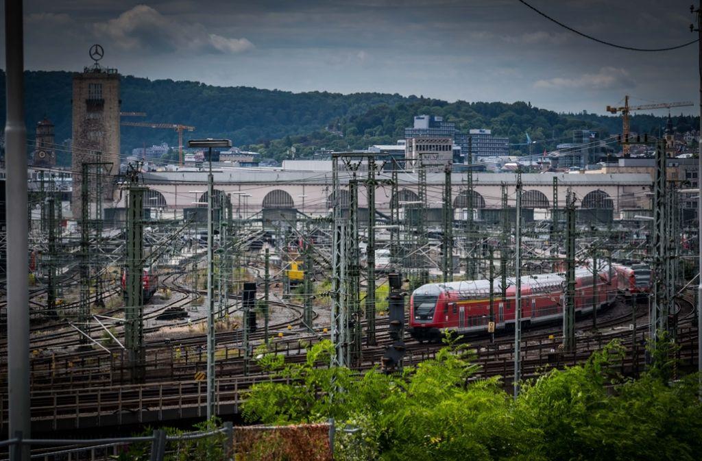 Wegen Bauarbeiten müssen sich Fahrgäste auf der Schnellfahrstrecke Mannheim-Stuttgart ab dem 7. September auf Verspätungen und Ausfälle einstellen. (Symbolbild) Foto: Lichtgut/Achim Zweygarth