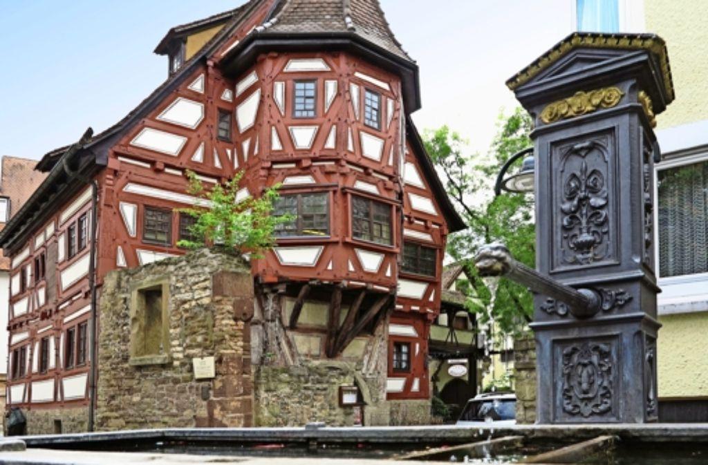 Die mittelalterliche Altstadt mit den Fachwerkbauten ist ein Juwel, das bekannter werden muss –  darüber waren sich Redner und  Bürger im  Kursaal einig. Foto: Zweygarth