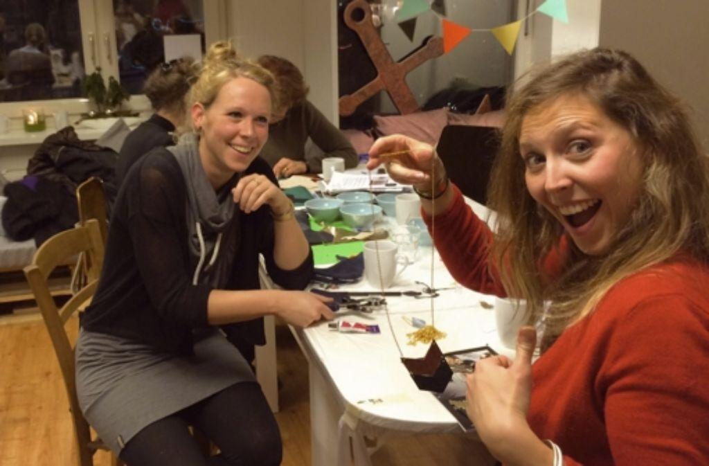 Die Teilnehmer der Weihnachtswerkstatt im vergangenen Jahr hatten viel Spaß. Foto: Café Luv