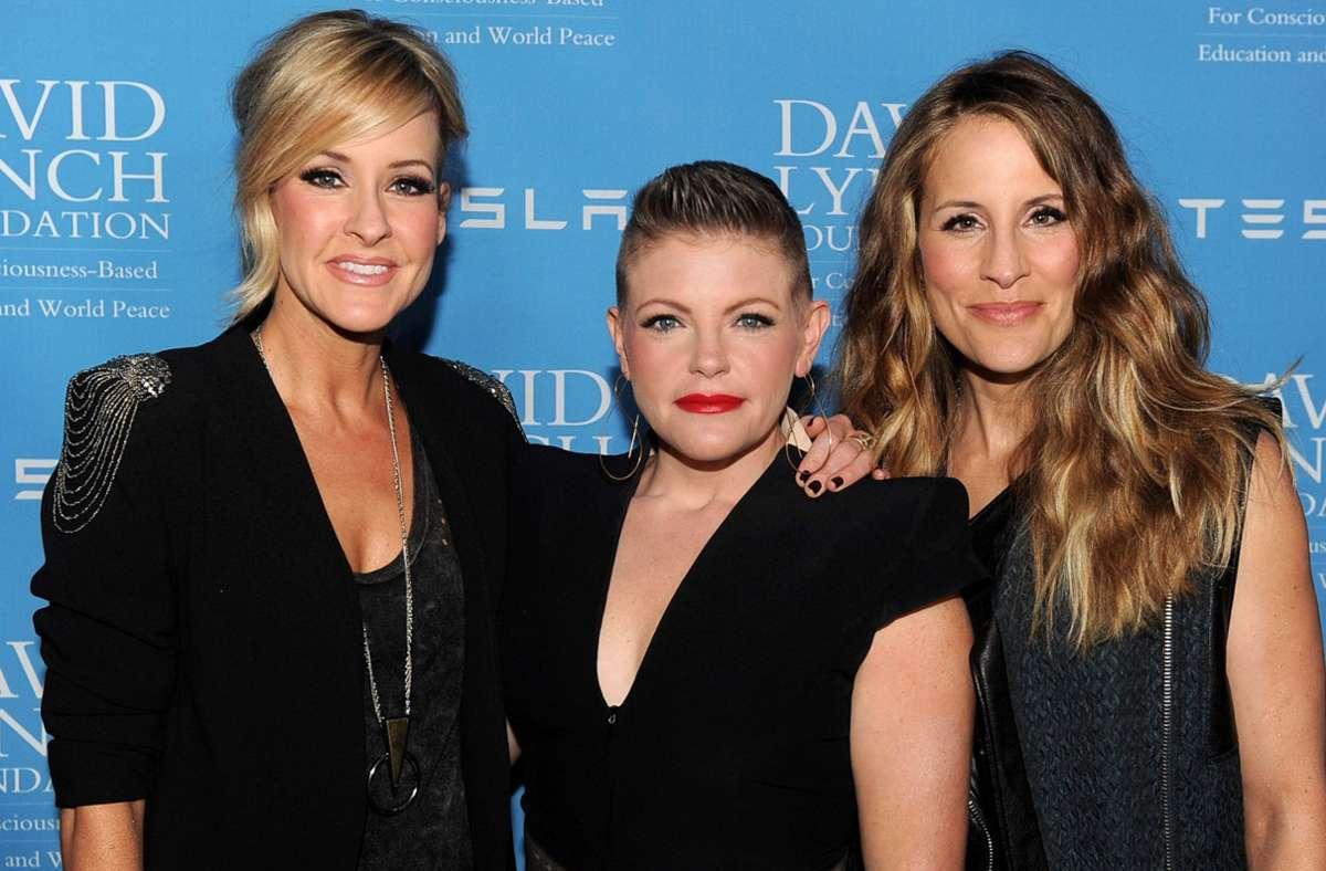 """Schon lange verhasst bei konservativen Country-Fans:  Martie Maguire, Natalie Maines und Emily Robison (on links nach rechts, hier im Jahr 2014), die sich von nun an """"The Chicks"""" nennen Foto: AFP/Kevin Winter"""