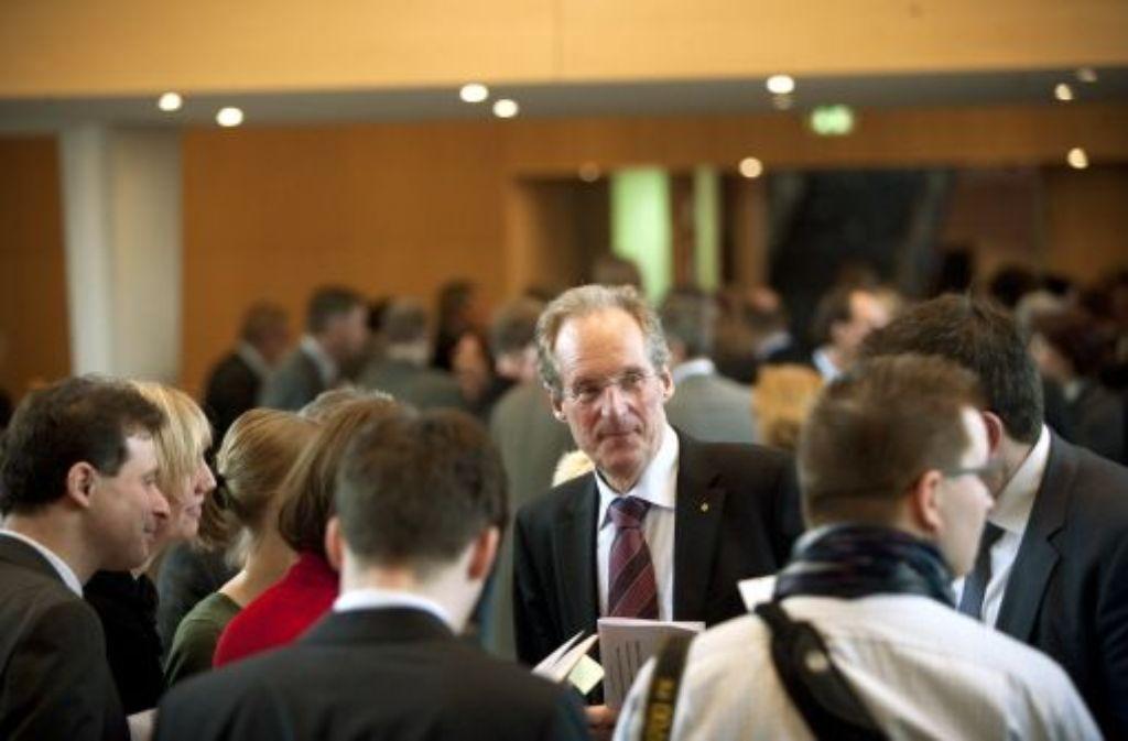 Blick zurück und in die Zukunft: Mit dem Verzicht Wolfgang Schusters auf eine weitere Amtszeit als Stuttgarter OB haben die wenigsten gerechnet. Quelle: Unbekannt