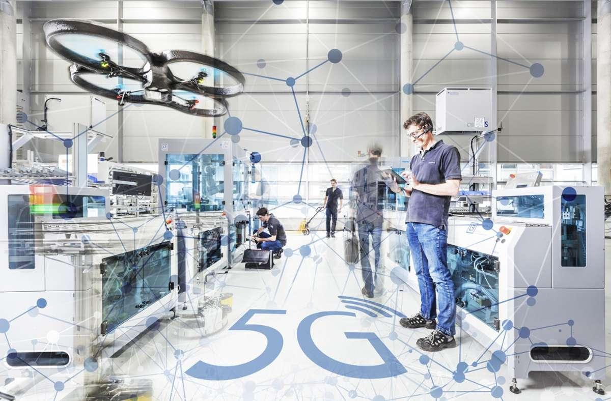 In Stuttgart wird erforscht, wie der schnelle Mobilfunk 5G in der Industrie eingesetzt werden kann. Foto: Universität Stuttgart/Fraunhofer IPA/Rainer Bez