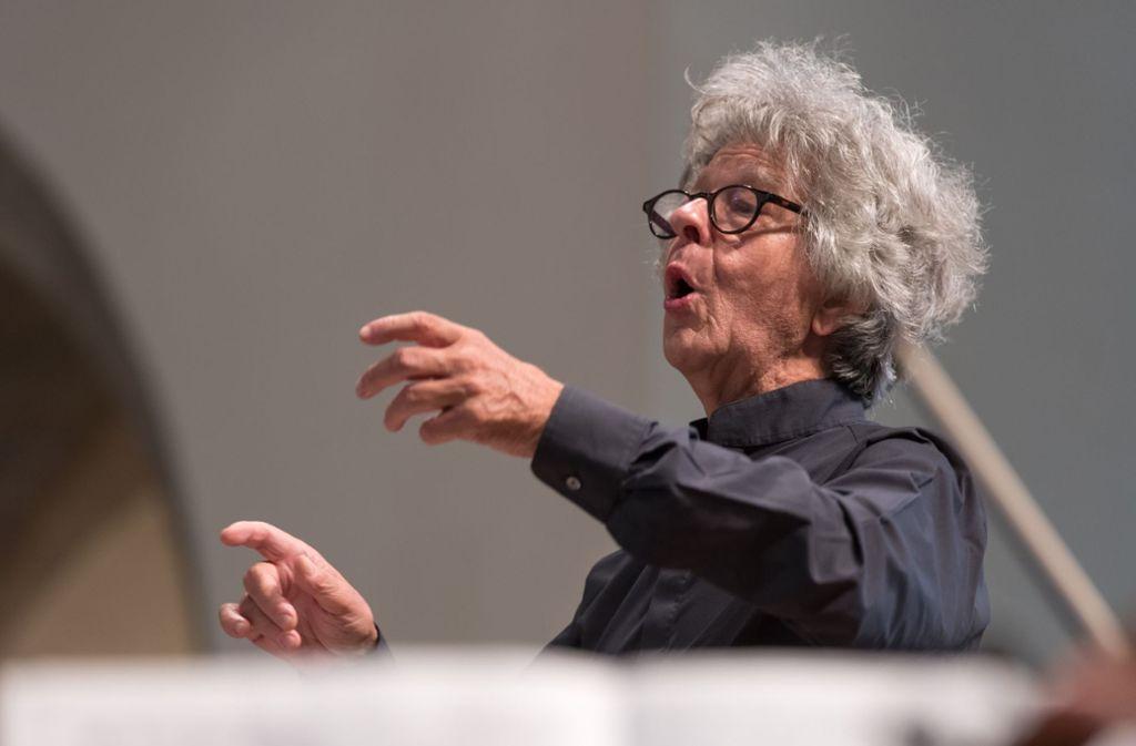 Der Dirigent Hermann Max beim Musikfest Stuttgart in der Stiftskirche Foto: Holger Schneider