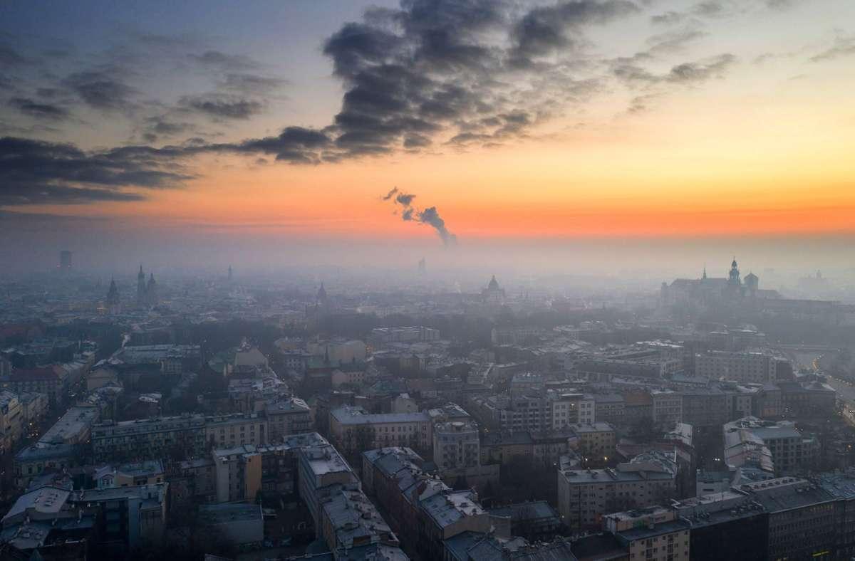 Smog über Krakau: Polen schneidet bei dem Ranking nicht gut ab. Foto: dpa/Lukasz Gagulski
