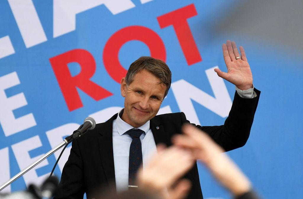 Mehr als 400 Menschen haben in Potsdam gegen einen Wahlkampfauftritt des thüringischen AfD-Landesvorsitzenden Björn Höcke demonstriert. Foto: dpa-Zentralbild