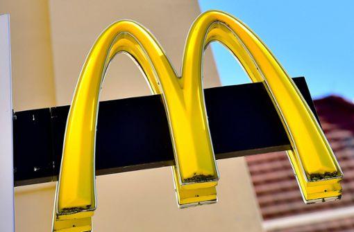 McDonald's wegen Coronavirus zu: Kundin eröffnet Feuer