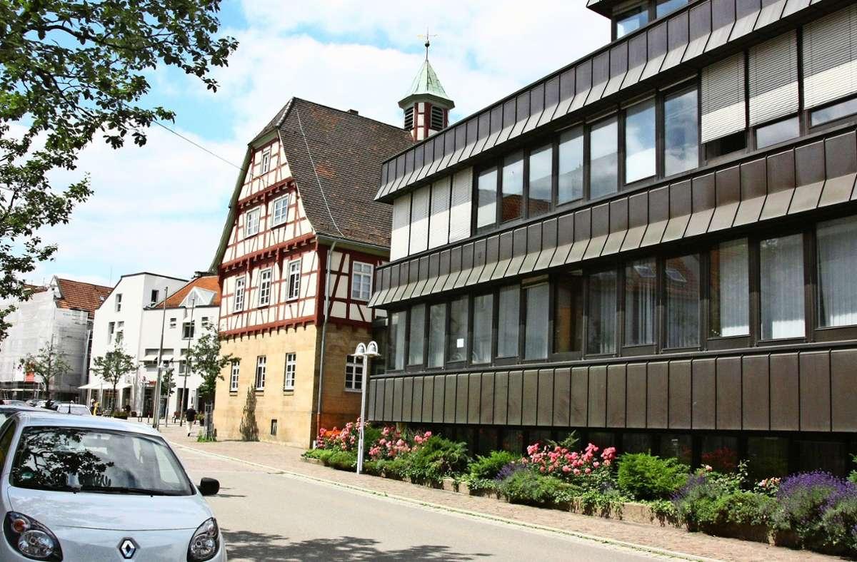 Leinfelden-Echterdingen hat bisher mehrere Rathäuser, die Mitarbeiter der Stadt sind über die Stadtteile Echterdingen (Foto) und Leinfelden  sowie zahlreiche Gebäude verteilt. Foto: Archiv/Natalie Kanter