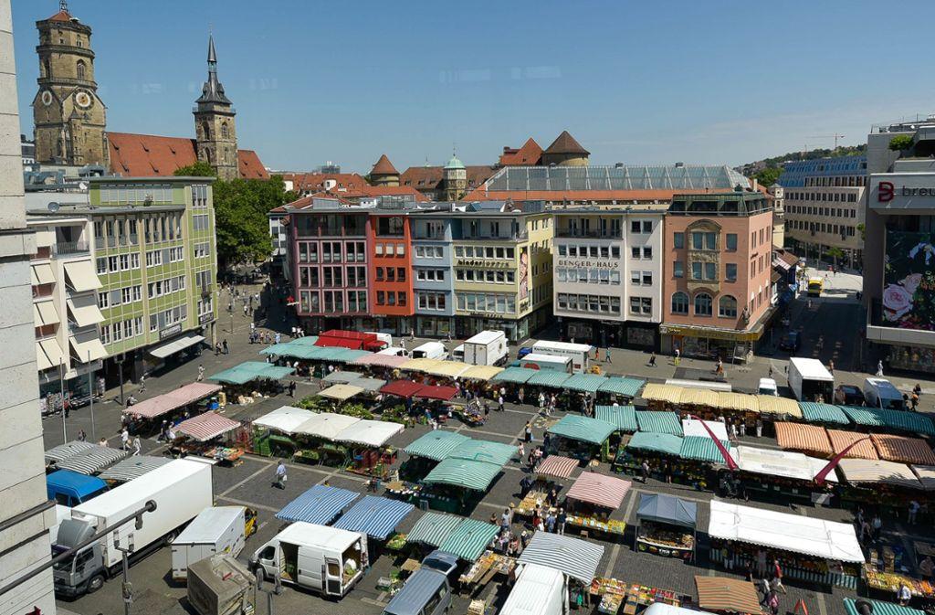 Die Ansicht dieser Fassaden wahren oder den Platz mit neuen Bäumen beschatten? Auch darum dreht sich die Debatte um den Marktplatz. Foto: