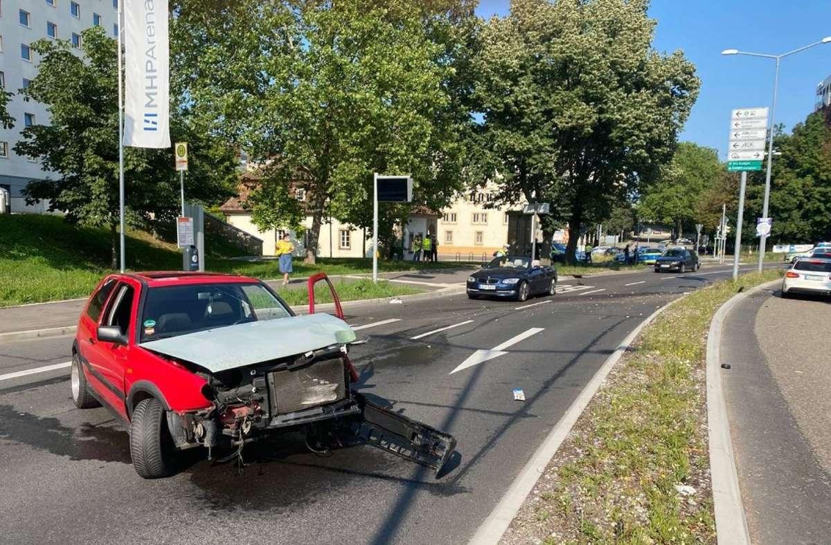 Ein Golf-Fahrer hat in Ludwigsburg einen Unfall verursacht. Foto: SDMG/SDMG / Hemmann