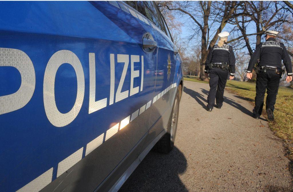 Die Polizei sucht Zeugen zu dem Vorfall in Sachsenheim . (Symbolbild) Foto: dpa/Franziska Kraufmann