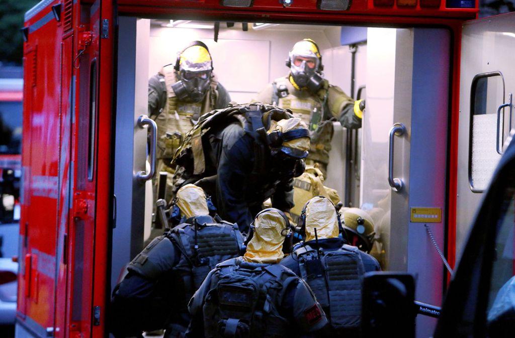 Einsatzkräfte haben in Köln die Wohnung eines Tunesiers durchsucht. Foto: dpa