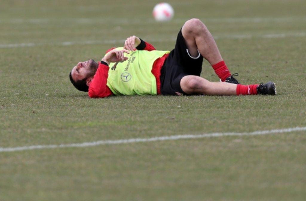Cristian Molinaro kommt beim VfB nicht mehr auf die Beine. Insgesamt stehen vier Spieler vor dem Absprung, wir zeigen sie in der folgenden Bilderstrecke. Foto: Baumann