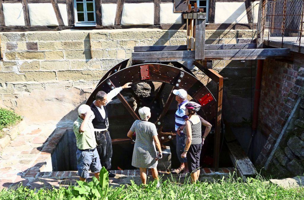 Das ehemalige Mühlenrad, das heute nur eine  dekorative Funktion hat, ist mit erheblichem  Aufwand restauriert worden. Foto: privat