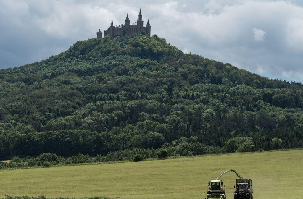 Weltberühmte Landmarke im Zollernalbkreis: der Hohenzollern bei Hechingen, die Stammburg des gleichnamigen Adelsgeschlechts. Foto: dpa