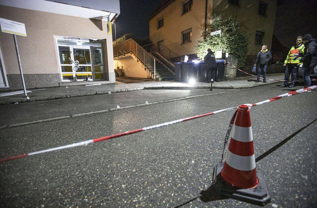 Um 2.40 Uhr wurden  die Anwohner der Echterdinger Hauptstraße durch einen lauten Knall aufgeschreckt. Foto: 7aktuell.de/Simon Adomat