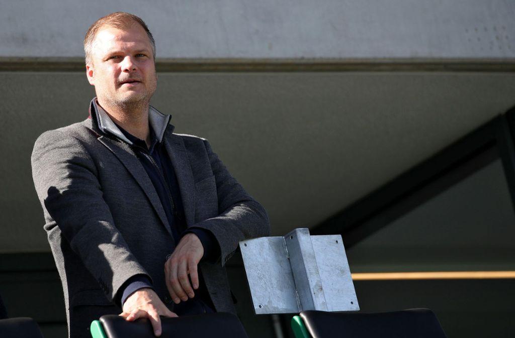 Fabian Wohlgemuth wurde von seinen Aufgaben bei Holstein Kiel beurlaubt. Foto: dpa/Daniel Karmann