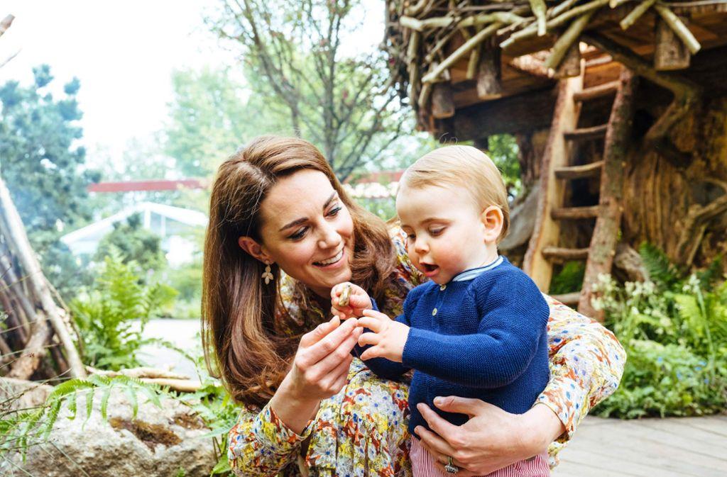 Kleiner Royal, ganz groß: Herzogin Kate mit ihrem jüngsten Sohn, Prinz Louis.Kensington Palace/Matt Porteous Foto:
