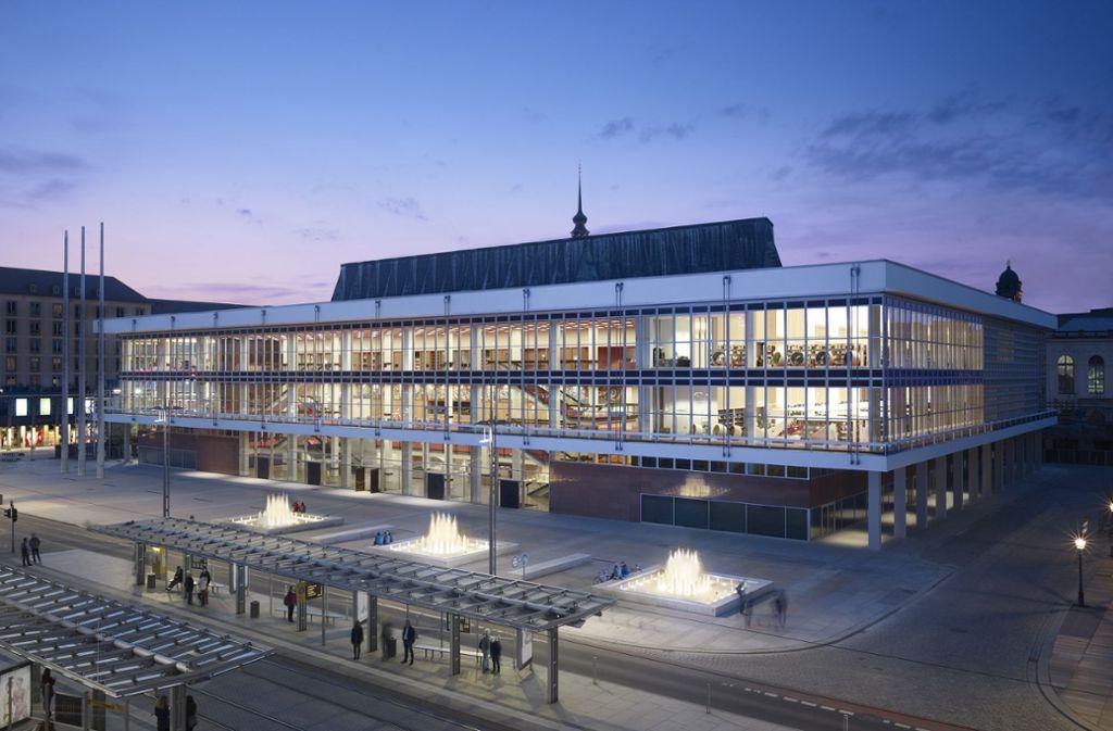 Kultur, Unterhaltung, Bildung auf einem Fleck im Herzen von Dresden: Das Hamburger Büro gmp – Architekten von Gerkan Marg und Partner hat den Dresdner Kulturpalast saniert und umgebaut und damit den DAM Preis 2019 gewonnen. Foto: digital