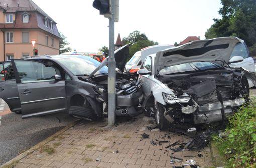 Zehn Verletzte nach Unfall –  darunter vier Kinder